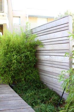 Panneau et bambous